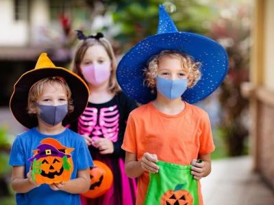 Trick or Treating with cloth face coverings